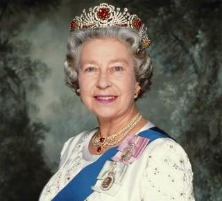 Elisabetta-II-corona