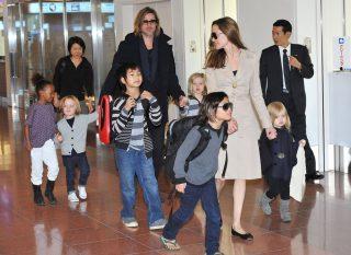 Jolie-Pitt-Family-Pictures-Tokyo