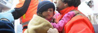 L'arrivo all'ospedale di Pescara dei i tre bambini estratti dall'Hotel di Rigopiano, 20 Gennaio 2017. Sono tutti in discrete condizioni di salute. ANSA/ CLAUDIO LATTANZIO
